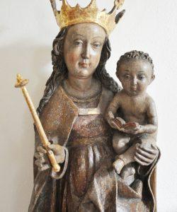 Restaurierte Marienfigur, Ausschnitt